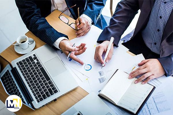 پرسش از مشاور کسب و کار : چه زمانی باید کارها رو واسپاری کنم؟