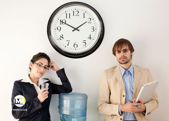 اتلاف وقت در سازمان و کارمندان چگونه وقت شان را در محل کار تلف می کنند؟