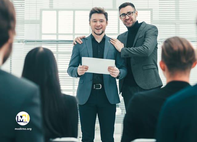 مشخصات یک کارمند نمونه و حرفه ای و منحصر به فرد
