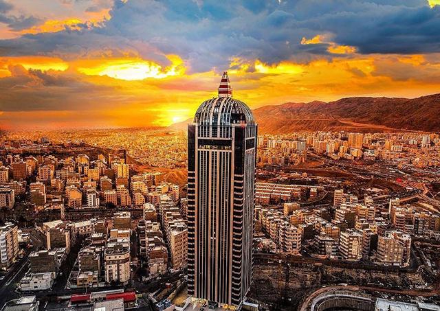 بهترین مرکز تخصصی مشاوره بازاریابی و فروش و کسب و کار و شغلی و تجاری و دوره آموزش مدیریت در تبریز