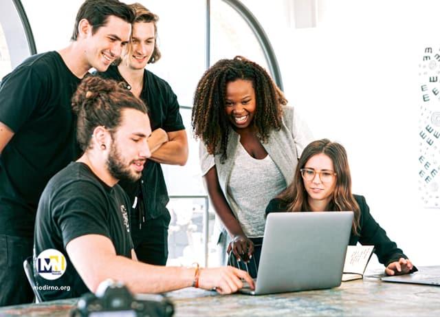 هماهنگ شدن افراد تیم در کار گروهی